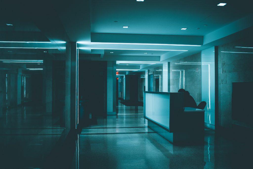 Hacer de los hospitales espacios verdes: la sostenibilidad en el sector sanitario - sostenibles